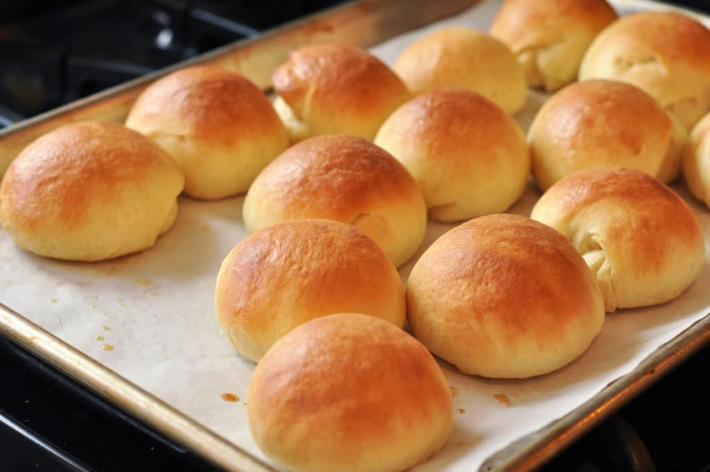 homemade dinner rolls going my wayz